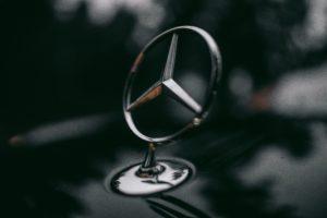 Autokredite in Deutschland - auch Mercedes profitiert vom KFZ Boom.